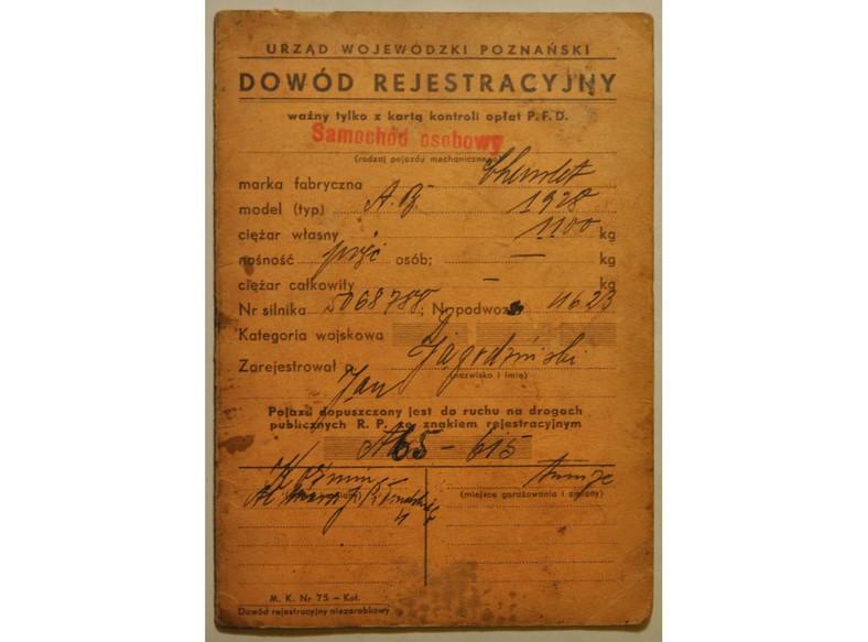 Dowód rejestracyjny Chevroleta AB z 1928 roku, należącego do ojca Jerzego Jagodzińskiego