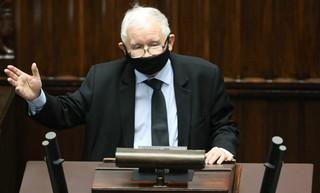 Deal w Brukseli? Kłótnia w Warszawie. Zjednoczona Prawica może nie przetrwać