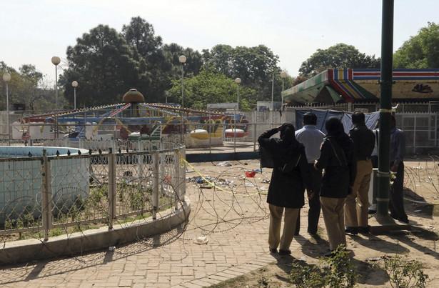 Pakistan po samobójczym zamachu, w którym zginęło 65 osób
