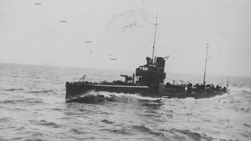 """Torpedowiec ORP """"Kujawiak"""" na morzu"""