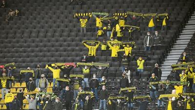 Berlin lifts virus curbs for football fans to return to stadium