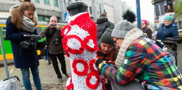 Hydranty w świątecznych ubraniach