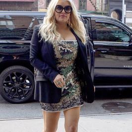 Jessica Simpson w cekinowej sukience. Ta stylizacja nie należy do udanych