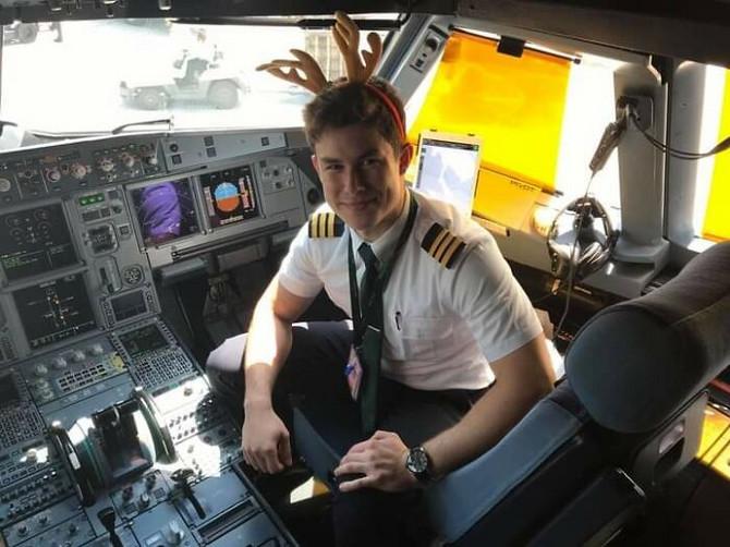 Roman kao pilot