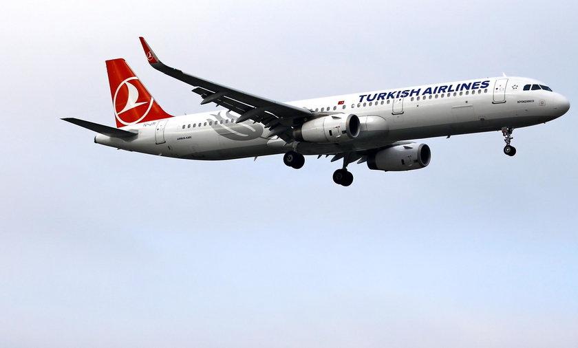 Awaryjne lądowanie samolotu pasażerskiego w Bułgarii. Powodem agresywne zachowanie Polaka?