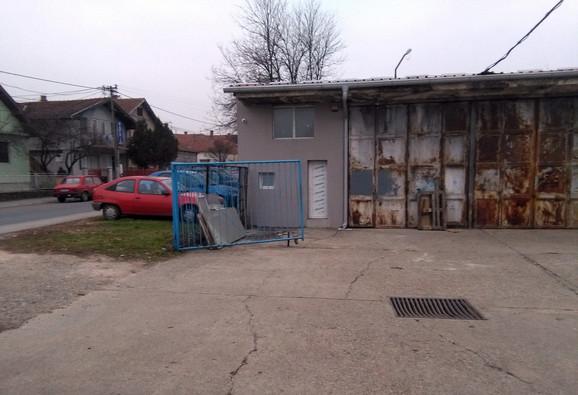 MESTO OTMICE:Firma u Kruševcu ispred koje su oteti Gordana i Milan K.