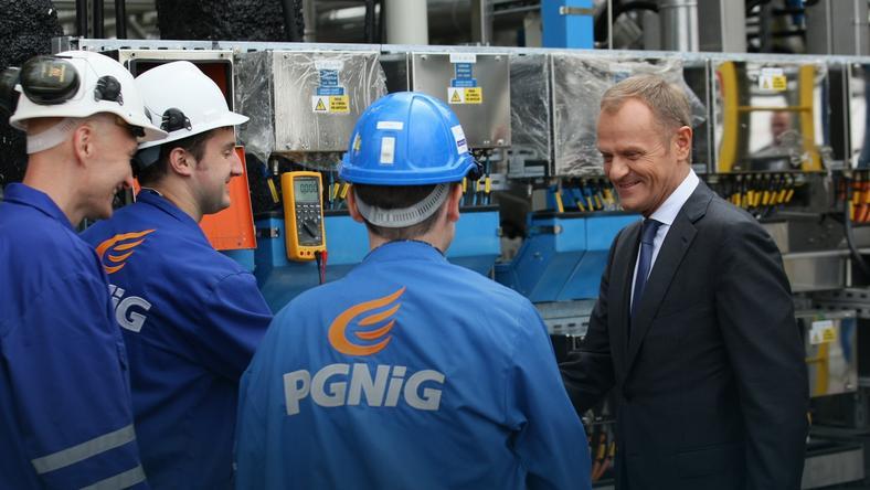 Premier Donald Tusk  podczas uroczystego otwarcia Kopalni Ropy Naftowej i Gazu Ziemnego Lubiatów