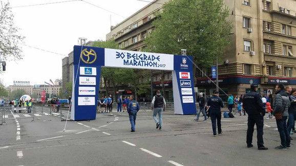 Start maratonske i polumaratonske trke