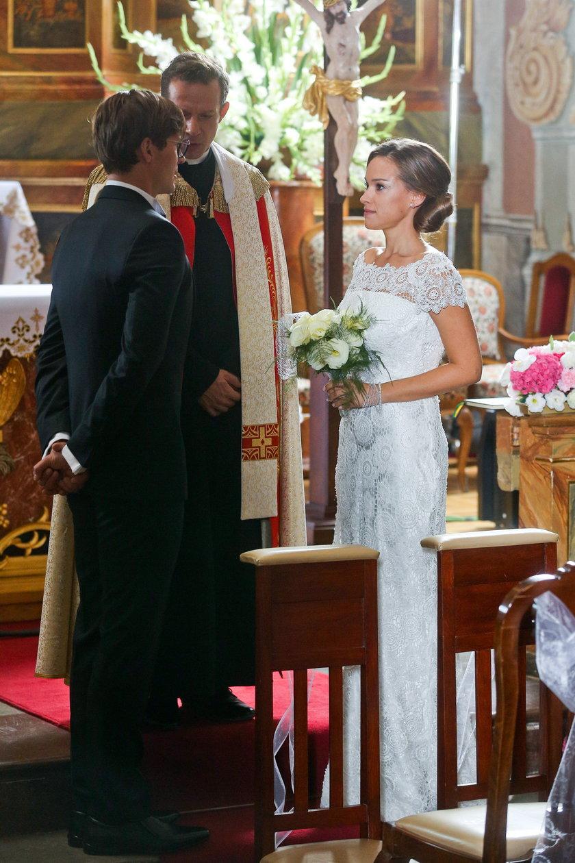 Alicja Bachleda-Curuś i Mikołaj Roznerski na ślubie