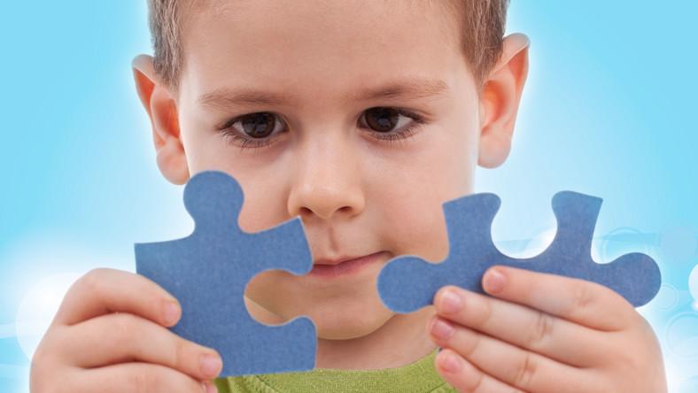 Odpowiednia terapia pomaga dzieciom pokonać autyzm?