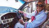 Ma 80 lat! Przejechała Afrykę starą Toyotą, by odwiedzić córkę!