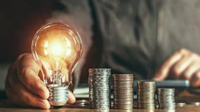 Łatwe porównanie cen prądu i szybka zmiana dostawcy: Projekt zmian Prawa energetycznego i ustawy o OZE