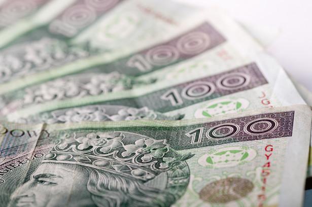 Około godz. 18.15 euro kosztowało 4,22 zł, dolar - 4,16 zł, frank szwajcarski - 4,12 zł, a funt - 5,17 zł.