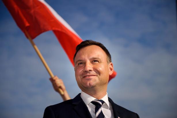 Duda, prowadzący w sondażach late polls przed Bronisławem Komorowskim, zapowiedział, że spotka się z Pawłem Kukizem w sprawie poparcia w drugiej turze