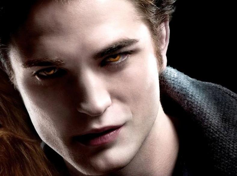 Robert Pattinson jako Edward Cullen