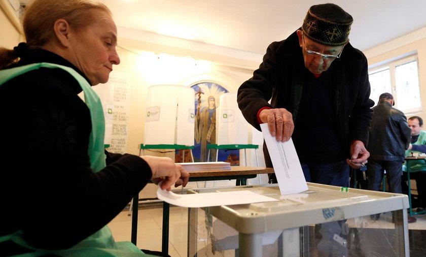 Marzyciele wygrali wybory