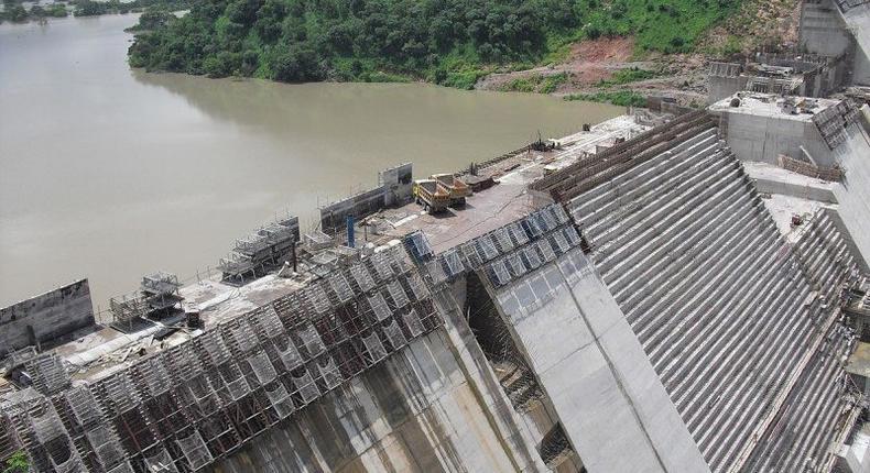 ___8969955___2018___10___12___11___1200px-Construction_of_Bui_Dam-e1467725905778