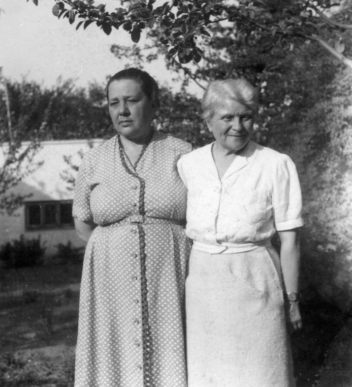 Maria Dąbrowska i Anna Kowalska w 1960 r.