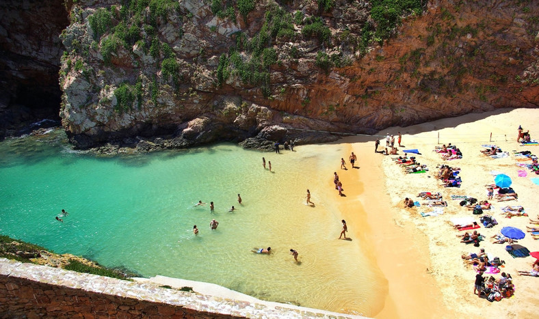 Plaża na wyspie Berlenga Grande, Portugalia