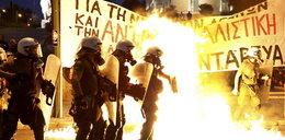 Grecja przyjmuje pomoc. Starcia na ulicach