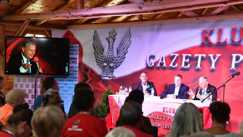 Minister edukacji i nauki Przemysław Czarnek (2P), poseł PiS Marek Suski (P) oraz publicysta Adrian Stankowski (3P)