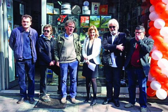 Drim tim: Petrović, Aćin, Tešić, Arbutina i Basara sa Jelenom Trivan juče u Makedonskoj