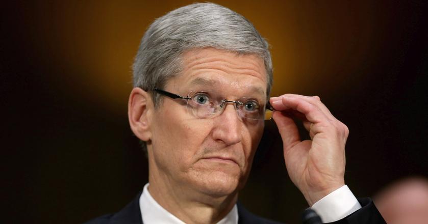 Tim Cook zapewnia, że spowalnianie iPhone'ów nie ma sprawić, by klienci wymieniali je na nowsze modele