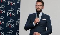 Fogiel: Chcemy powiązać wynagrodzenia polityków z wynagrodzeniami Polaków