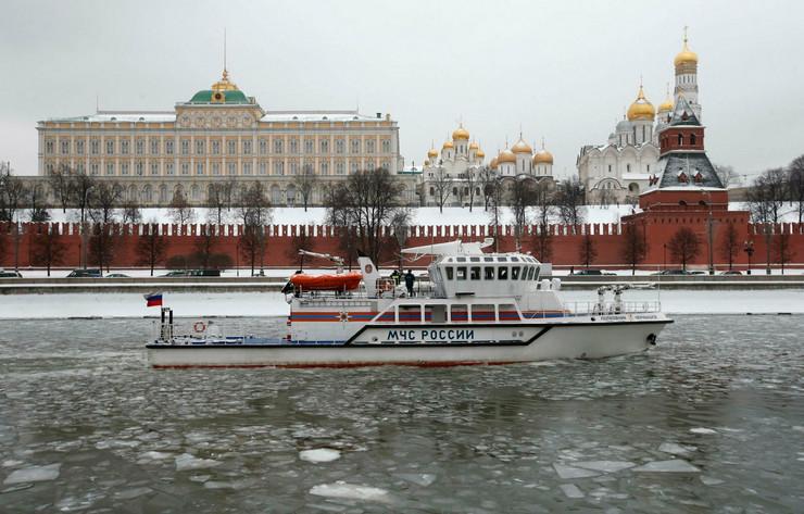 Neprilike i sa spoljnom i sa unutrašnjom poilitikom: Moskva-Kremlj