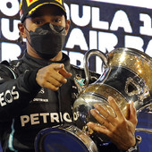 """""""Naš bolid je SVE BOLJI I BRŽI!"""" Hamilton osvojio 99. pol-poziciju u karijeri, a u nedelju se bori za 96. pobedu u Formuli 1!"""