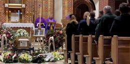 """Pogrzeb Karola Kani. """"Wybaczcie, że odszedłem bez pożegnania"""""""