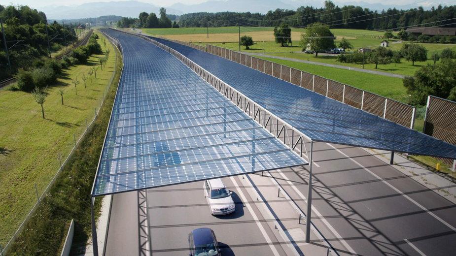 Czy autostrada może stać się farmą fotowoltaiczną?