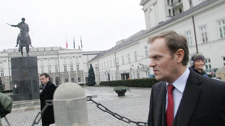 Polakom nie podobają się prezydenckie ambicje Tuska