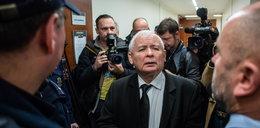 """Kaczyński wdał się w """"pyskówkę"""" przed salą sądową"""