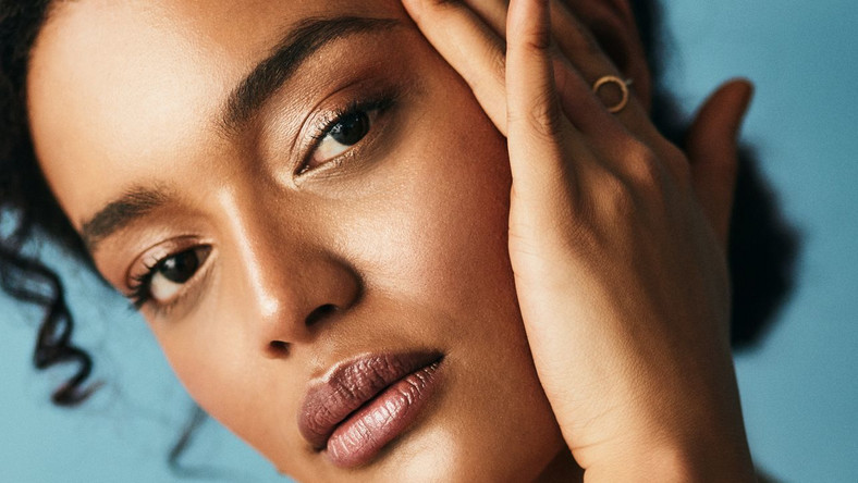 How to Do Your Brows at Home, According to Pros