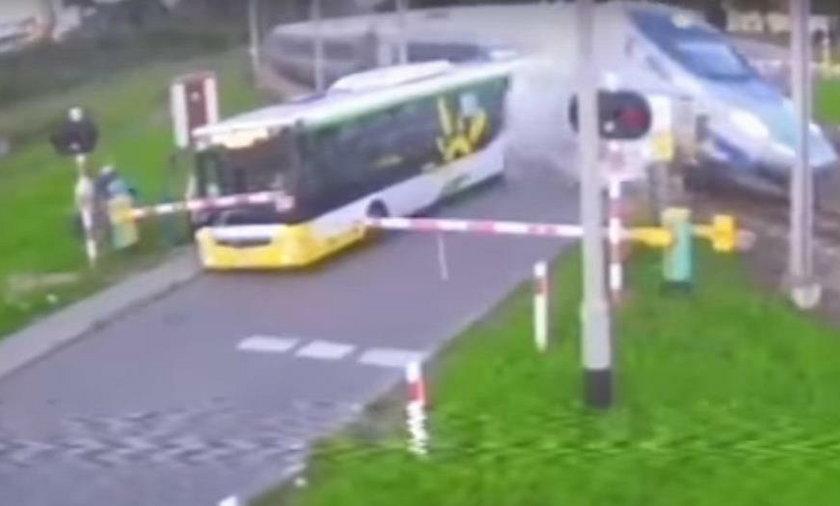 Pendolino omal nie zmiażdżyło autobusu. Kierowca usłyszał wyrok
