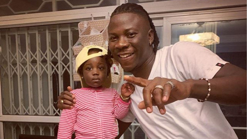 Stonebwoy and Daughter