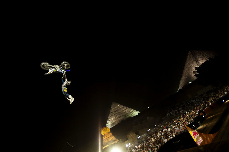 Red Bull X-Fighters w Egipcie, Adam Jones