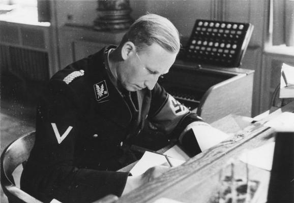 SS-brigadefirer Hajdrih, šef bavarske policije i SD u Minhenu 1934.