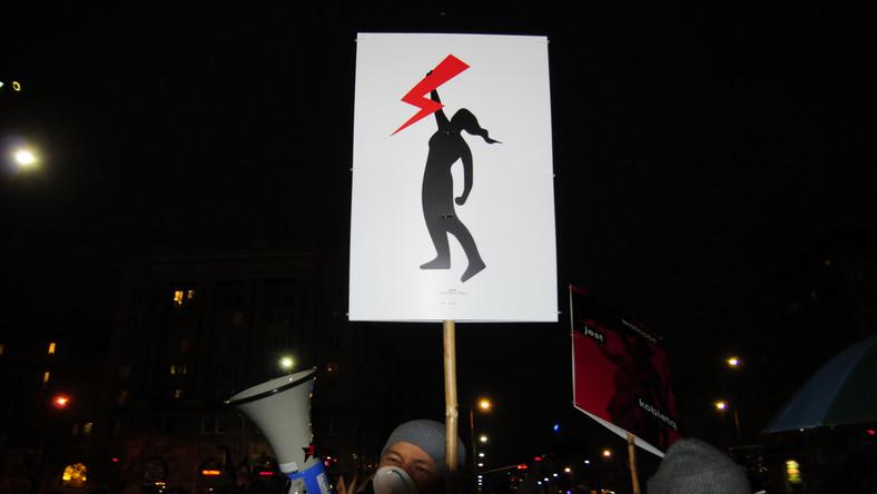 Strajk Kobiet w Warszawie 28 listopada 2020 r (53)