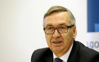 Szwed o oskładkowaniu umów zlecenia: Żadne decyzje nie zostały jeszcze podjęte