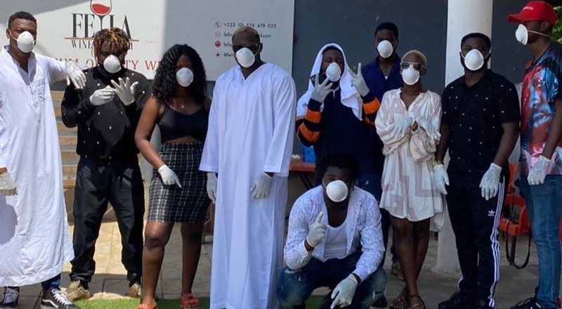 Coronavirus: Fella Makafui and Medikal donate to Ghana Police and others (VIDEO)