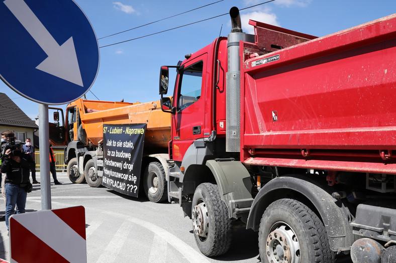 Protest podwykonawców budowy odcinka drogi S7 Lubień-Naprawa na Zakopiance