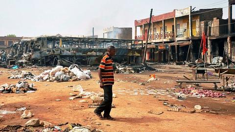 Nigeria pogrąża się w gospodarczym kryzysie m.in. z powodu złych reform i cen ropy