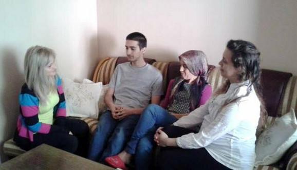 Blic u gostima kod porodice Elmazi