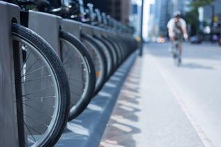 Jazda na rowerze obowiązkowo w kasku. Rząd zaostrzy też przepisy dla kierowców