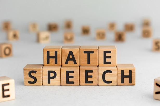 Kampania wyborcza jest już na ostatniej prostej. Coraz bardziej zaczyna w niej wybrzmiewać pogarda i obrażanie politycznych przeciwników. Mowa nienawiści jest wszechobecna, a doświadczenia pokazują, że to coraz większy problem.