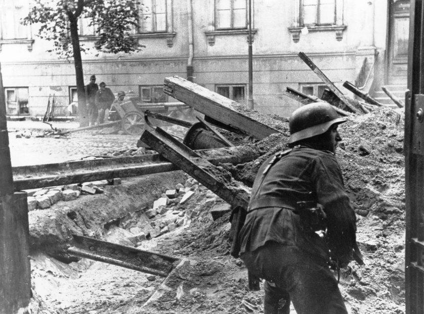 Statystyczny Niemiec niemal nic nie wie o Powstaniu Warszawskim
