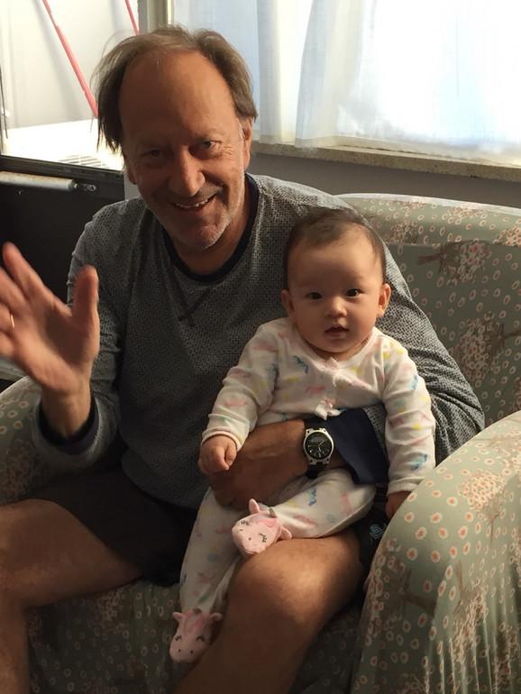 Goran Paskaljević sa unukom u Kanadi