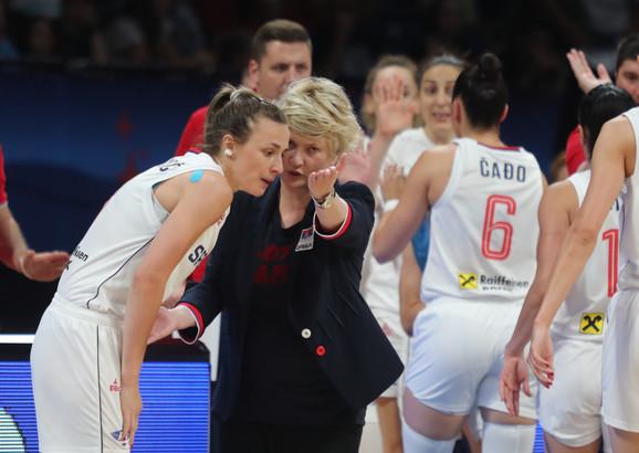 Marina Maljković i Nevena Jovanović